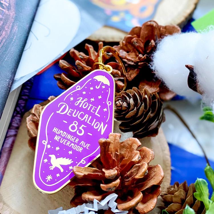 OwlCrate Jr. November 2020 Nevermoor keychain